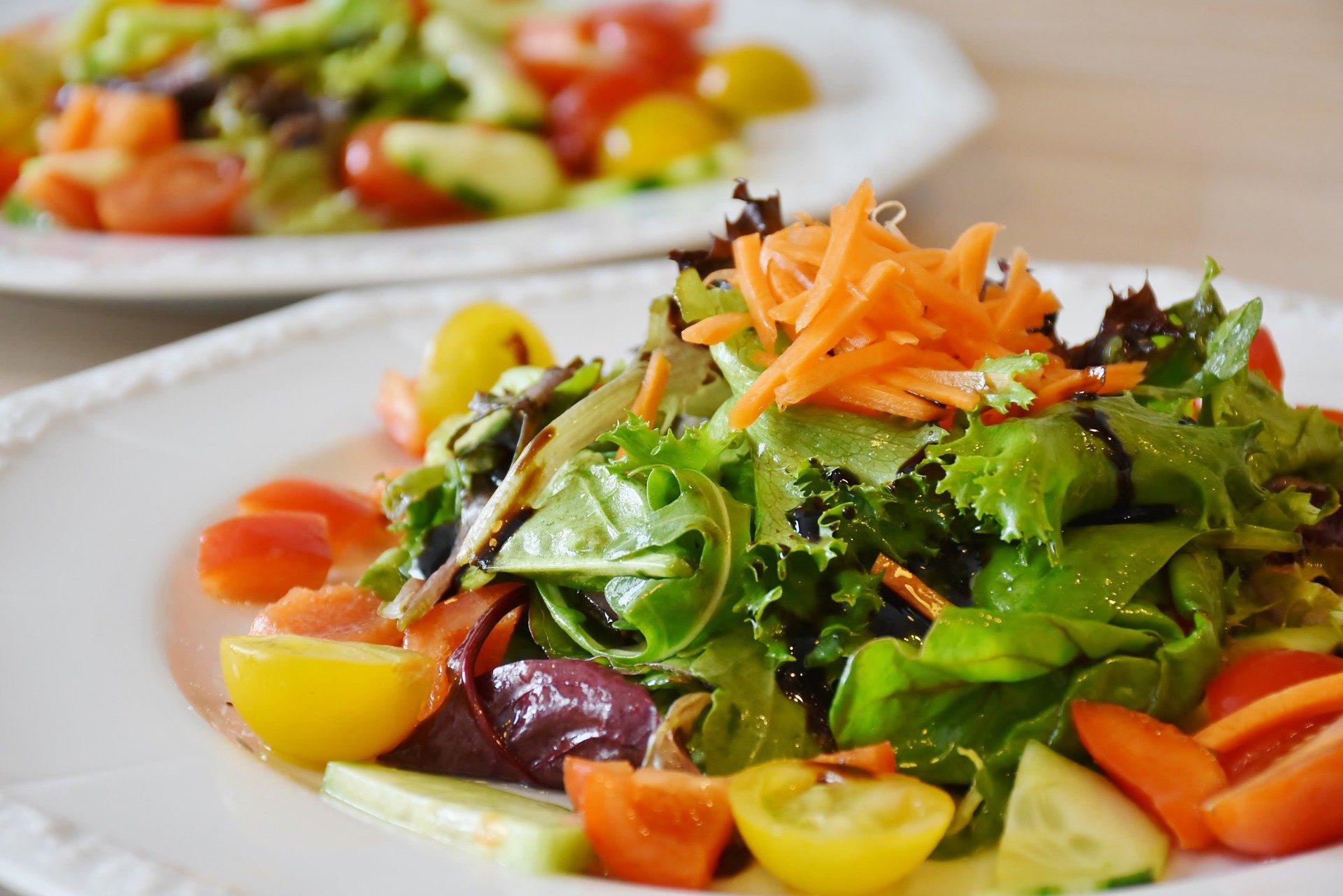 食事は野菜から食べる